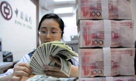Nhà giàu Trung Quốc hối hả tìm cách chuyển tiền sang Mỹ