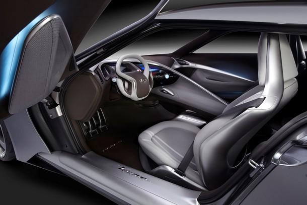 Hyundai tái giới thiệu xe thể thao hạng sang HND-9