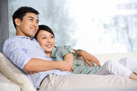 10 câu nên hỏi ông xã hàng tuần để 'giữ lửa' hôn nhân