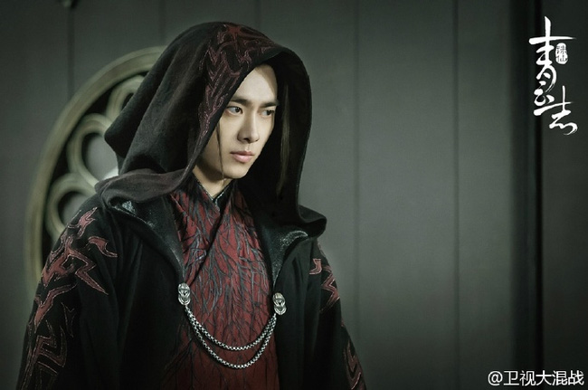 Lý Dịch Phong làm ác ma đẹp trai, Tao tình tứ bên bạn gái mới